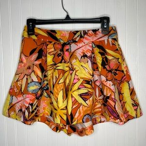 Gianni Bini Floral Colorful High Waist Short Small